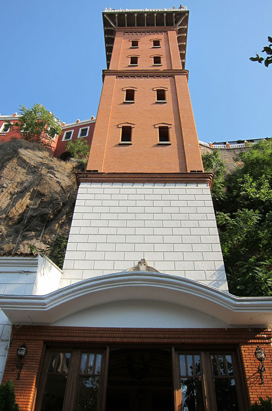 izmir tarihi asansör